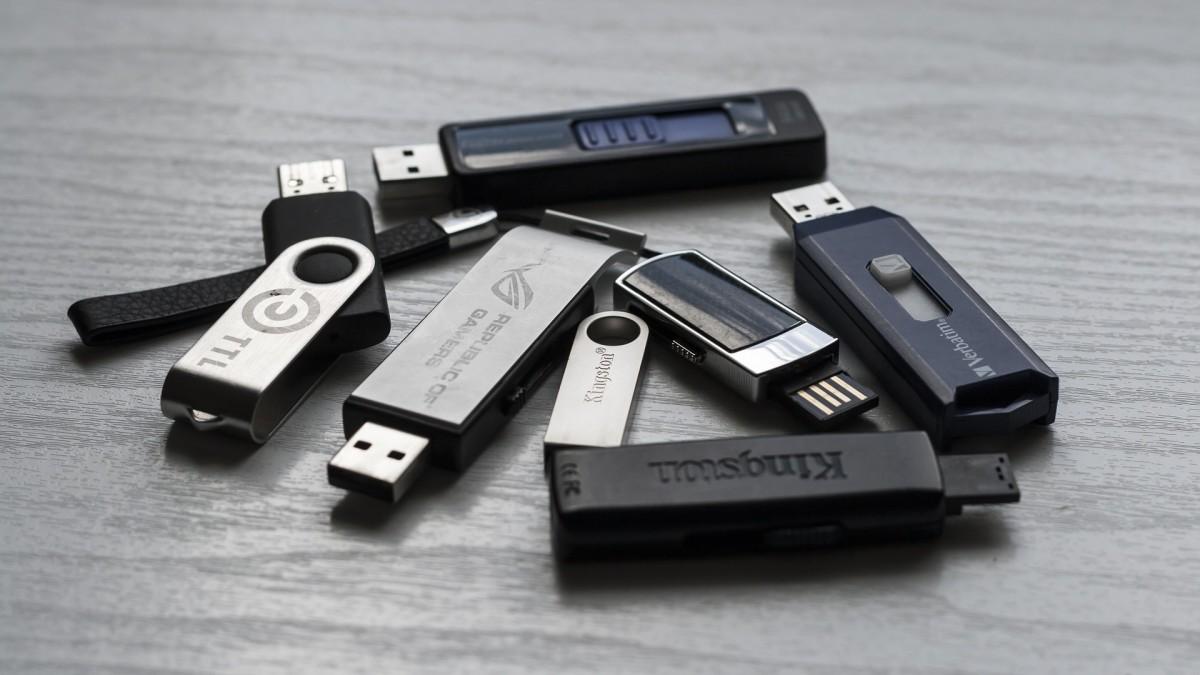 Powershell scripts for MSSQL or MongoDB backup to Azure & AWS